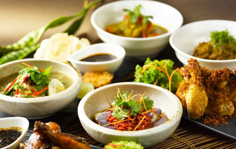 Visiting Indonesia? Try This 5 Traditional Dishes!
